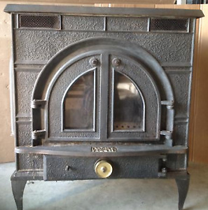 "Wood stove, Federal Air Tight, ICC 6"" Stainless Steel insulated"