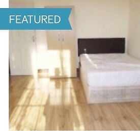 STUNNING KING SIZE DOUBLE ROOM TO RENT TO SHARE ILFORD, EAST LONDON, GANTS HILL, REDBRIDGE, IG1