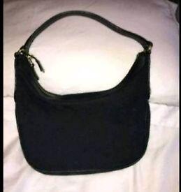 Genuine Gucci shoulder bag v.good condition