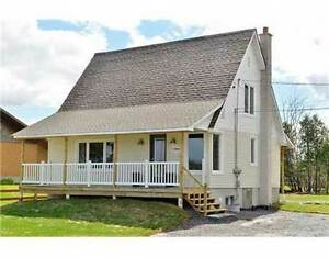 Live in Town & Feel like Country Living -Single 2 Bedroom