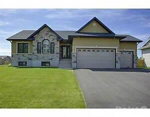 Homes for Sale in Pembroke West, Pembroke, Ontario $469,900