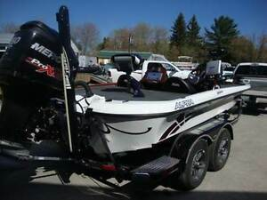 REDUCED!  2013 Custom Legend Tournament Bass Boat