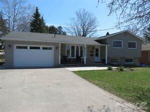 Homes for Sale in Fergus, Ontario $449,900