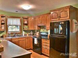 Homes for Sale in Avon Ward, Stratford, Ontario $539,900 Stratford Kitchener Area image 3