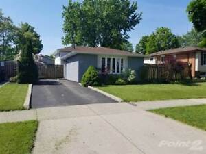 Homes for Sale in Paramount, Hamilton, Ontario $535,000