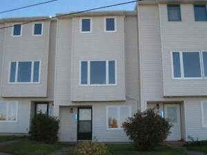 521 Harbour View Cres