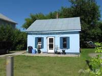 Homes for Sale in Angus, Essa, Ontario $199,900