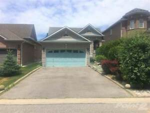 Homes for Sale in Rolling Acres, Whitby, Ontario $649,900