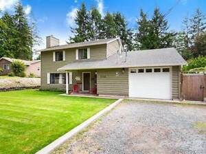 1736 Sangster Cres
