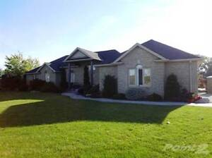 Homes for Sale in Chatham, Ontario $949,500