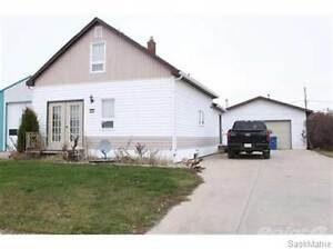 215 6TH AVENUE E Moose Jaw Regina Area image 1