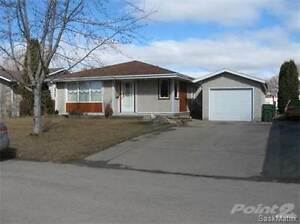 1192 DUFFIELD CRES