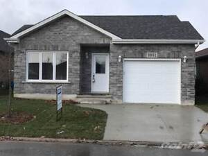 Homes for Sale in VINELAND, Ontario $296,191