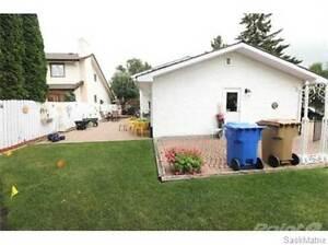 4835 QUEEN STREET Regina Regina Area image 4