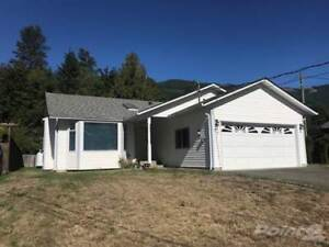 Homes for Sale in Lake Cowichan, British Columbia $299,000