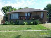 Homes for Sale in Wellington Park, Sarnia, Ontario $184,900