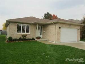Homes for Sale in Wallaceburg, Ontario $189,900