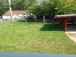 MOVE IN READY!!! Spacious 2 Bedroom Bungalow for RENT!!! Windsor Region Ontario image 9