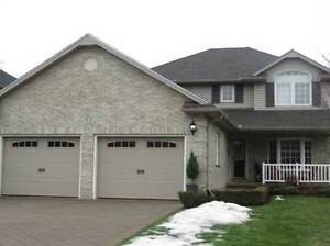 55 Forest Grove Cres