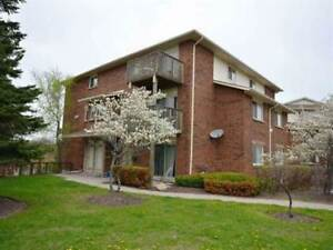 Two level 3 bdrm apartment in Timberwalk, $1450.-