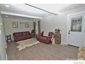832 Grey AVENUE Moose Jaw Regina Area image 2