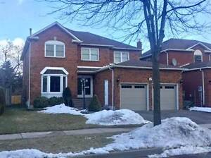 Homes for Sale in Rolling Acres, Whitby, Ontario $799,900
