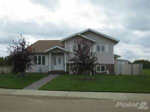 Homes for Sale in Lamont, Alberta $399,900