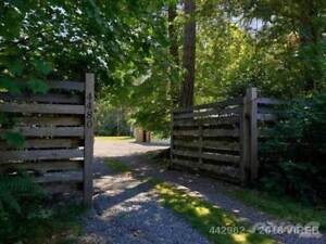 Large country home on private acreage. | Houses for Sale | Port ...