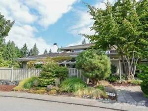 1579 Beaconsfield Cres