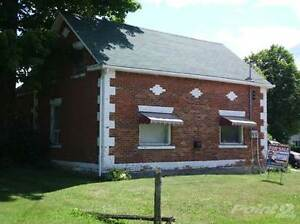 Multifamily Dwellings for Sale in Chatsworth, Ontario $164,900