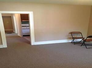 Spacious 2 Bedroom Bungalow HOUSE for RENT!!! Windsor Region Ontario image 2