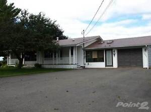 Walkout Bungalow w /swimming pool in Sussex Corner on 3.5 acres