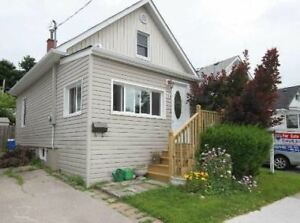 3 Bedrooms 2 Washrooms House for Rent in Oshawa