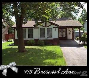 Homes for Sale in Donevan , Oshawa, Ontario $489,000