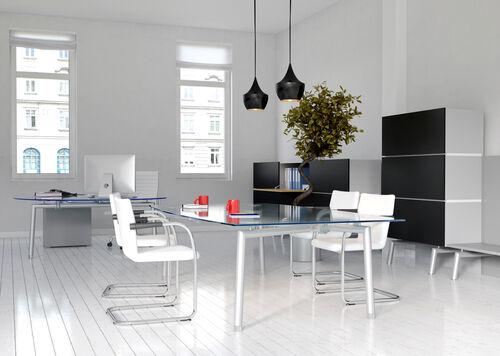 Multifunktionaler Durchblick: Glasplatten für modernes Wohnena