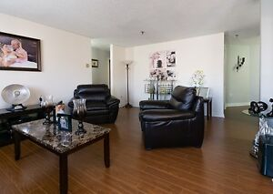 Beautifully updated condo on the top floor in Clayton Park!!!