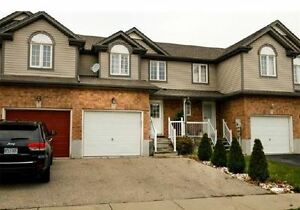 Beutiful town-home in desired Laurentian Village