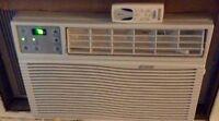 Climatiseur 5200 BTU en parfait état avec télécommande