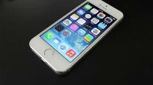 White iPhone 5S 16 Gig - BELL