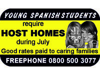 Spanish students require host families
