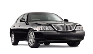 Lincoln town car 2011 only 4km