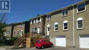 Townhouse 5-minute-walk to UW, Utility Inclusiv, Available Jan.1 Kitchener / Waterloo Kitchener Area image 1