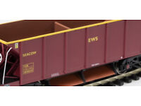 00 scale ballast wagon in red