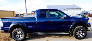 FORD F-150 FX4  4 X 4  CLEARNCE!! Loaded! 5.4L V8