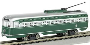 HO-GAUGE-BACHMANN-62932-BROOKLYN-amp-QUEENS-TRANSIT-SYSTEM-PCC-TROLLEY-CAR