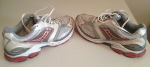 Saucony Grid Hurricane 6 Runners- Men's Size 10 - Good Condition