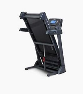 Treadmill  New   Horizon CT5.4