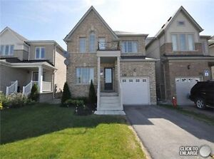 GORGEOUS DETACHED HOUSE IN THE PRIME BRADFORD LOCATION !!!