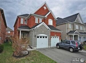 3022 Mission Hill Dr, 4 Bedrooms Semi-Detached