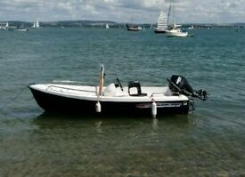 Solar 360 sports boat with trailer